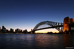 Sydney Harbour Night Lines (rogelio g arcangel) Tags: sydney australia newsouthwales oceania sydneyharbour sydneyharbourbridge harbourbridge kirribillipoint canon canonphotography travel travelphotography nightphotography sydneyattractions summer2018