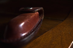 Brown Leather Pouch (roanfourie) Tags: lifeisarainbow brown leather wood pouch light day spring nikon d3400 nikkor dx afp vr 1855mm kitlens raw gimp november 2018 macro shallowdepthoffield creativetabletopphotography macrotexture