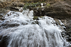 El frío de la Yecla (helenabalbas) Tags: nikon day hielo winter invierno ice frozen natura nature natur naturaleza piedras rocas agua congelado yecla dia d5600