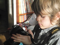 DSCF0968 (Benoit Vellieux) Tags: photographer nikon camera singlelensreflex slr jeunegarçon youngboy kleinerjunge petitfils enkel grandson