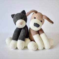 Fido and Fifi (Knitting patterns by Amanda Berry) Tags: fidoandfifi fido fifi simply knitting knit knits knitted knitter knitters amanda berry fluff fuzz toy toys hayfield dk flat straight pattern patterns ravelry grey brown cat dog cats dogs kitten kittens puppy puppies animals