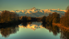 Early morning on the river. (rinogas) Tags: italy piemonte casalgrasso monviso fiumepo alpicozie rinogas