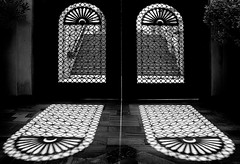 Double Shade (HWHawerkamp) Tags: dubai uae vae shades mall graphics abstract travel monochrome city absoluteblackandwhite