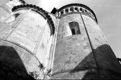 """ Vigoleno 2 "" (Davide Zappettini) Tags: vigoleno castello castle bw blackandwhyte filmphotography filmbw davidezappettiniphotography ilford borghiecastellidelducatodiparmaepiacenza"