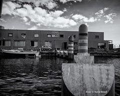 Motorkanaal 1-9-2018 (k.stoof) Tags: boeien motorkanaal amsterdam noord haven harbour port ij motorwal