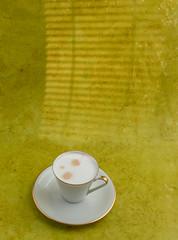 Cappuccino (annick vanderschelden) Tags: cup saucer milk coffee espresso cappuccino italian gold yellow lighteffect hot italy brewed coffeedrink beverage liquid fluid steamed foam bubbles cream flavoring barista blend belgium