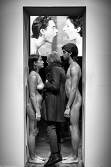 Marina Abramovic -Imponderabilia (Lorenzo Venturini - Lorebike) Tags: abramovic firenze palazzo strozzi fuji xt2 bw imponderabilia the cleaner