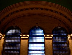 Grand Central Windows (pjpink) Tags: grandcentralstation station urban city nyc newyork newyorkcity ny november 2018 fall pjpink 2catswithcameras
