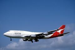 Qantas 747 'VH-EBT' (Longreach - Jonathan McDonnell) Tags: scan scanfromaslide 1980s 1989 dublinairport eidw vhebt boeing 747 747300 747338 qatarairways qantas 294007