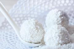 Coconut balls (amjs63) Tags: 105mm dulce macro macromondays whiteonwhite bodegon