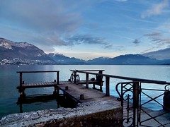 (juliusjoa) Tags: travel nature blue sky france alpes rhônealpes auvergnerhônealpes water lake landscape picture photography photographie annecy annecylake lacd'annecy