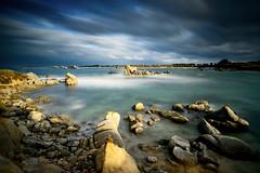 (liverato.romain) Tags: bretagne finistere plage rocher granit ciel ecume