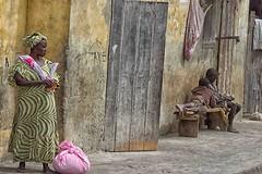 vivere per strada 21 (mat56.) Tags: ritratto ritratti portrait portraits life street vivere strada persone people saintlouis senegal africa città city antonio romei mat56 candid