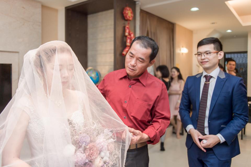 台南東東宴會式場 婚宴 走在幸福的紅毯上 R & B 064