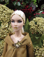 24Kt Blooms (annesstuff) Tags: annesstuff doll fashiondoll erin 24kt integritytoys fashionroyalty nuface dollconvention orlando fashionfairytale gold holidayseason christmas blooms festive