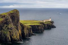 Neist Point Lighthouse 1 (françoispeyne) Tags: ecosse neistpointlighthouse skyes envoyage scotland royaumeuni gb flickraward5