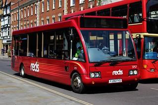 Salisbury Reds: 3757 / YJ06 FYD