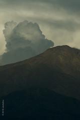 Layer up: clouds behind cerro Provincia (jeckafou) Tags: cerro cerroprovincia cordilleradelosandes losandes andes ranges andesranges clouds nubes shadows spring primavera