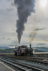 Ffestiniog Railway (tramsteer) Tags: tramsteer wales thecobb ffestiniog narrowgaugerailway porthmadog smoke steam hills mountains clouds engine estuary