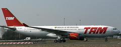 Airbus A-330-223 PT-MVC (707-348C) Tags: paris degaulle lfpg cdg airliner jetliner airbus tam airbusa330 a332 ptmvc passenger france 2006 parisdegaulle