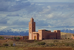 Mosque - Road of the Kasbahs, Morocco - Nov 2018 (Dis da fi we) Tags: mosque adobe road kasbahs morocco ksar berber villages village mgoun river vallee roses high atlas mountains centra
