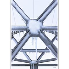 Eisige Geometrie (horstmall) Tags: pole mast strommast stromleitung gittermast kälte winter eis schnee gefroren blau blue bleu frozen powerline elektrizität electricity electiricité heuberg donnstetten römerstein schwäbischealb jurasouabe swabianalps eiszapfen horstmall