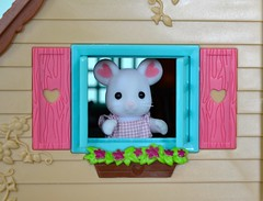 Framed (linda_lou2) Tags: 365the2019edition 3652019 day26365 26jan19 27365 52weeksin2019 themeframewithinaframe categorycreative calicocritters marshmallowmouse mouse toy figure week3