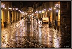 BORDEAUX ville de lumière ! (Les photos de LN) Tags: bordeaux portdelalune gironde aquitaine rails tram lumière illuminations noël rue avenue coursdelintendance ville effetmiroir pluie pavés
