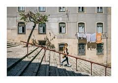 Alcântara, Lisboa (Sr. Cordeiro) Tags: alcântara lisboa lisbon portugal rua street escadas escadaria stairs estendal clothesline panasonic lumix gx80 gx85 1232mm
