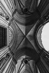 look up ancien (Rudy Pilarski) Tags: nikon architecture architectura d7100 1020 thebestoffnikon thepassionphotography abstract abstrait ancien old structure structura structural temple église nb bw monochrome nikkor paris monumentshistorique monuments europe europa france francia capitale géométrie géométry géométria géométrique