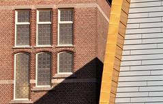 Windows and shade....HWW (wilma HW61) Tags: hww raam window fenster fenêtre venster schaduw shadow shade windowwednesday architecture architectuur architettura architektur groningen nederland niederlande netherlands nikond90 holland holanda paysbas paesibassi paísesbajos europa europe outdoor wilmahw61 wilmawesterhoud finestra dwwg composition compositie pov perspectief laperspective contrast