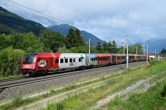 80-90 725 ( 1116 225 ), rj 898 ( Linz > Klagenfurt ). Mühldorf-Möllbrücke (M. Kolenig) Tags: öbf railjet tauernbahn wald baum berg