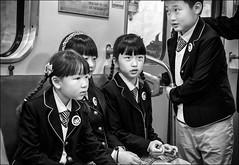 Regards... / Eyes... (vedebe) Tags: humain human enfants metro saintpetersbourg ville city rue street urbain urban noiretblanc netb nb bw monochrome train