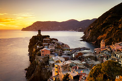 Vernazza sunset (flo73400) Tags: paysage cinqueterre italia ligurie landscape longexposure poselongue see water sunset le color