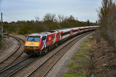 91101 + 82205 + 67028 - March West Junction - 12/01/19. (TRphotography04) Tags: db cargo uk 67028 drags london northeastern railways lner flying scotsman dvt 82205 91101 past march west junction working diverted 5e02 1145 peterborough ferme park recp due person being hit 225 set was taken out service ran empty back sidings
