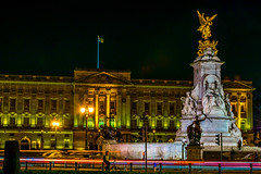 Buckingham Palace and Victoria Monument at Night (wounderful0) Tags: london buckinghampalace palace buckingham queen uk gb unitedkingdom greatbritain city capital street traffic lights lighttrails monument victoriamemorial memorial gold golden white green dark night light illumination tourism view beautiful popular sightseeing pointofinterest building landmark royal architecture travel europe famous statue sky square exterior old historic culture urban evening