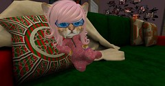 Curled up (Talu March) Tags: twistedkrissmuss dinkie decorsl secondlife secondlifeblog secondlifeblogger secondlifeevents