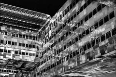 Huitième fenêtre à gauche... / Eighth window on the left (vedebe) Tags: architecture ville city rue street urbain urban urbanarte montpellier fenêtres portes reflets reflection noiretblanc netb nb bw monochrome bâtiment fenêtre