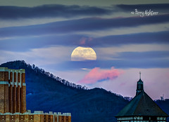 Super Cold Moon Rising (Terry Aldhizer) Tags: super cold moon full rising sunset twilight roanoke virginia terry aldhizer wwwterryaldhizercom