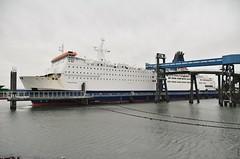 Pride of Bruges (Hugo Sluimer) Tags: nlrtm onzehaven portofrotterdam port haven nederland zuidholland holland nikon nikond500 d500
