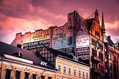 Message (Maria Eklind) Tags: stortorget sunlight color malmö budskap sky fs181104 message city outdoor sweden fotosöndag fotosondag reklam skånelän sverige se building sign
