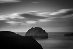 Face Rock (Manuela Durson) Tags: oregon oregoncoast pacific northwest pacificocean seastack black white landscape nature longexposure facerock