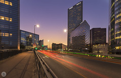 National 13 [FR] (ta92310) Tags: 2018 idf 92 courbevoie défense financial quartier district 75 paris europe canon 6d night nuit seine bridge architecture buiding ville eau bâtiment horizon gratteciel ciel longexposure bluehour autumn automne tour tower building puteaux