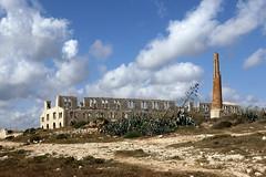 la fornace (maxlancio) Tags: sicilia sicily ragusa sampieri montalbano abbandono abbandonato spiaggia cielo fornace industria archeologia industriale