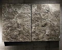 bird guardians (SM Tham) Tags: europe germany bavaria munich statemuseumofegyptianart sumerian assyrian art stone wallpanels gods guardians winged display lighting