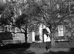 Waiting (Bury Gardener) Tags: cambridgeshire cambridge england uk streetphotography street streetcandids snaps strangers candid candids people peoplewatching nikond7200 nikon bw blackandwhite britain mono monochrome 2018