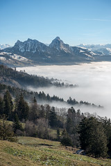 Mythen und Nebelmeer (Roger_T) Tags: 2018 rossberg landscape winter goldau nature mountains berge berg wanderlust alpen swissmountains nebelmeer wildspitz swissalps sonyrx100iii mythen nebel innerschweiz outdoor schweiz sony switzerland wilderness mountain