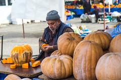 small pumkins (werner boehm *) Tags: wernerboehm farmersmarket pumpkin kürbis portrait manavgat turkey