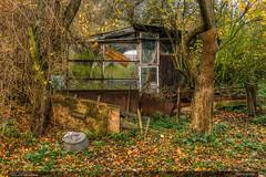 Nejistá sezóna (jirka.zapalka) Tags: abandoned creepy scruffy autumn kudlovskavrchovina zlinregion garden building morava czechrepublic