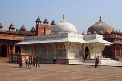 2018-10-26 0618 Indien, Fatehpur Sikri, Jama Masjid-Moschee, Salim-Chishti-Mausoleum (Joachim_Hofmann) Tags: indien uttarpradesh fatehpursikri moschee jamamasjid salimchishtimausoleum